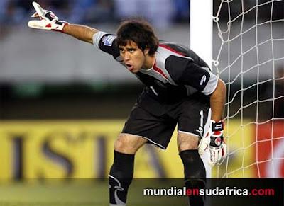 Chile aliviado, Claudio Bravo juega Mundial de Sudáfrica pese a su fuerte lesión