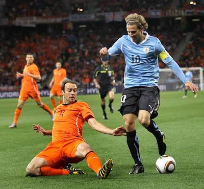 Galería de Fotos Holanda 3 Uruguay 2: La Naranja Mecánica llega a la final tras 32 años ante una Celeste épica