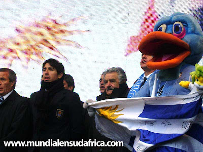 Fotos Festejo Seleccion Uruguay con Pepe Mujica en Palacio Legislativo - Imágenes exclusivas