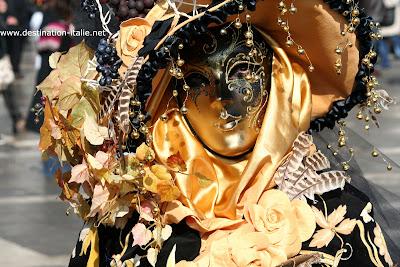 masque venitiens de la Comedia Carnaval_venise_masques_orange+(41)
