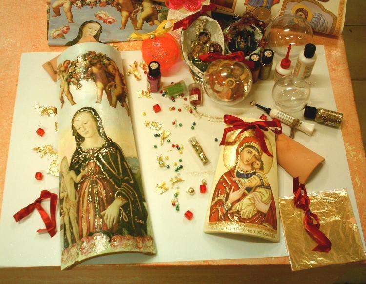 Delizioso d coupage icone su tegole e decorazioni natalizie - Decorazioni decoupage ...