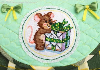 Пижамница в детскую: сумка с вышивкой для девочки