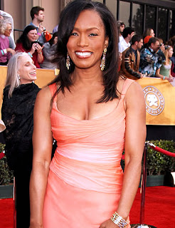 angela bassett picture 2 Angela Basset Workout for a San Antonio Gym Near YOU!!