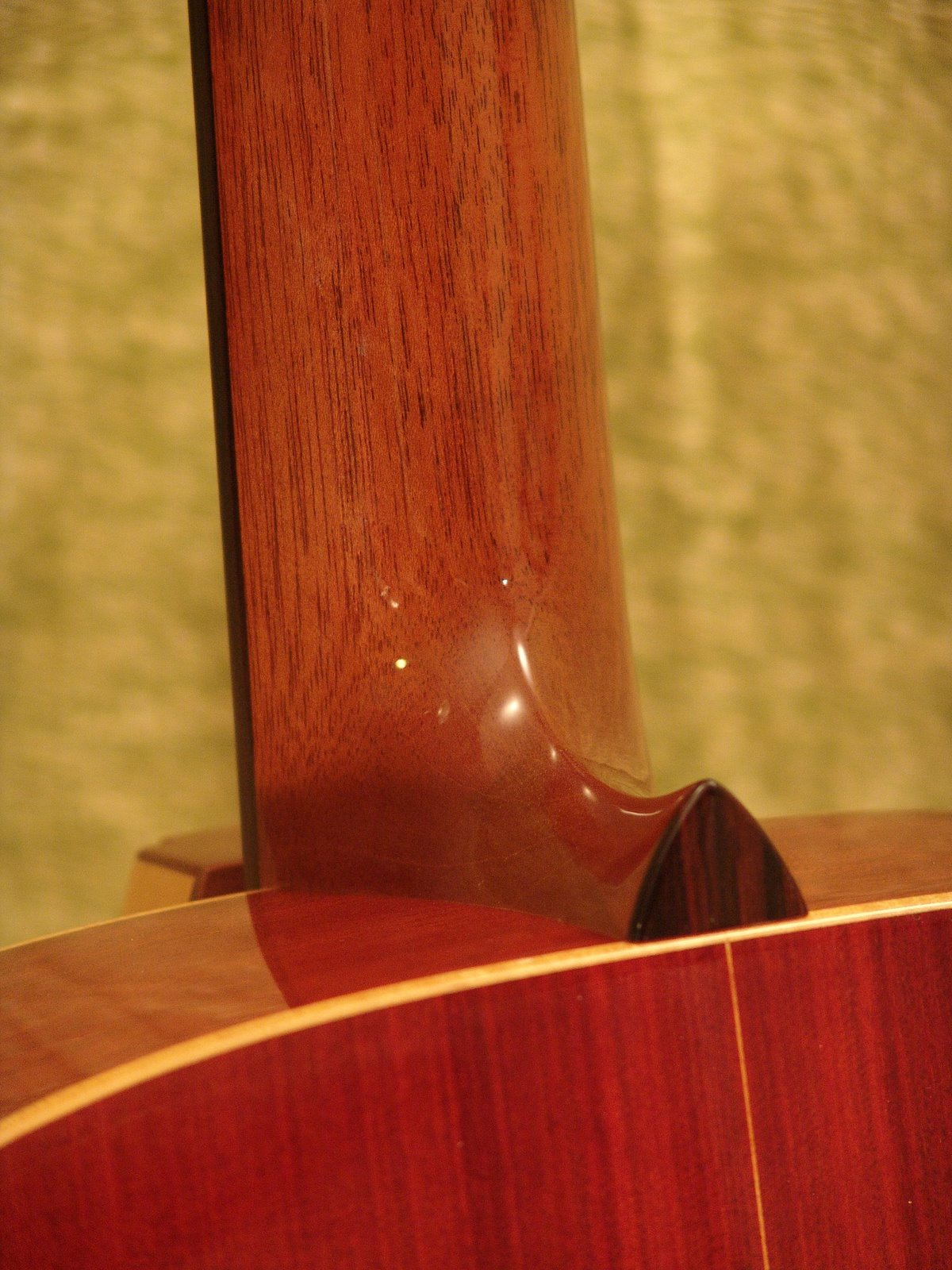 Laurent Brondel guitars neck joint