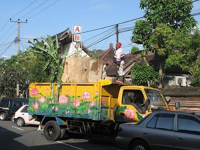Lotus Flower Garbage Art Truck