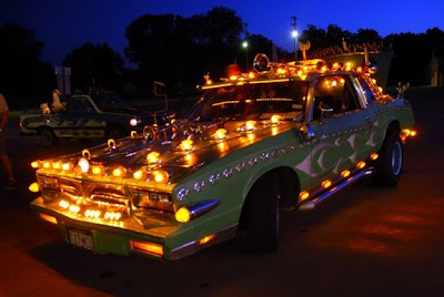 Jeff Towns Art Car Lights up