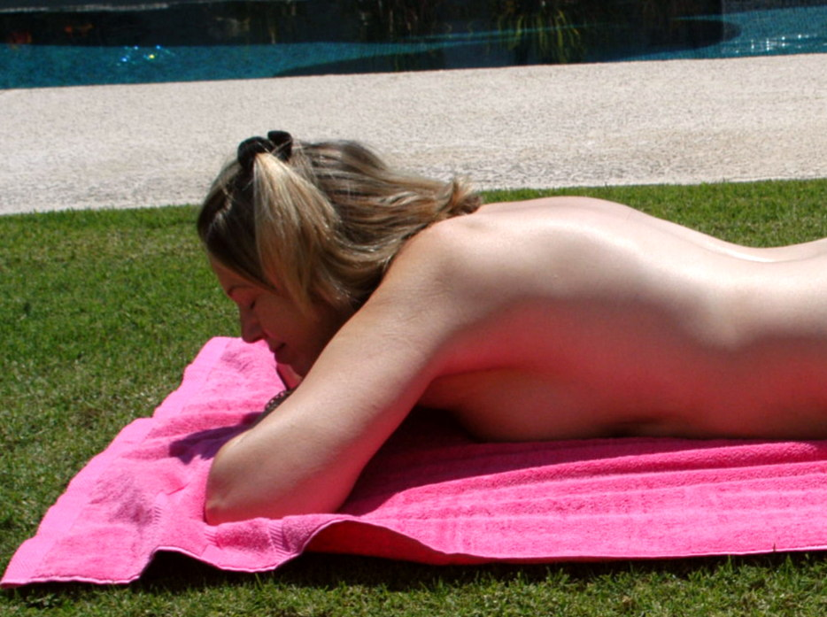 Palm Springs, California has been having great nude sunbathing weather.