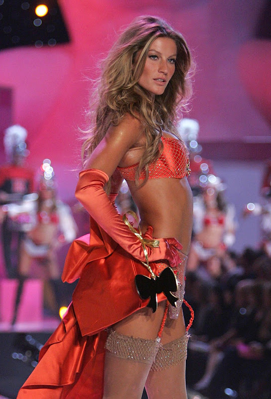 Gisele Bundchen walks the ramp in lingerie