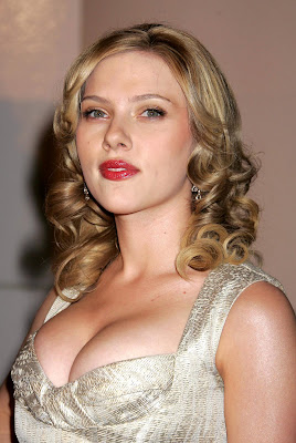 The incredible curves of Scarlett Johansson