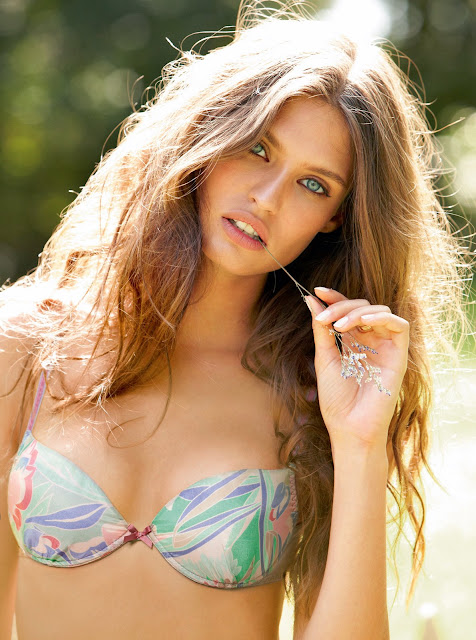 Bianca Balti is absolutely beautiful in lingerie