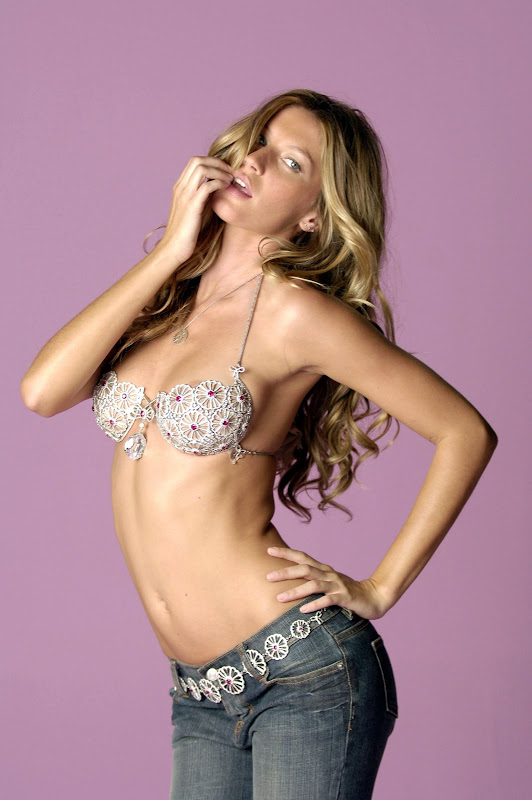 Gisele Bundchen and the sparkly bra