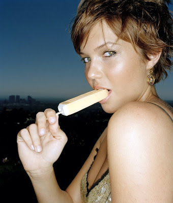 Mandy Moore is looking naughty