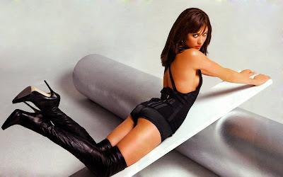 Sexy Bond Girl Olga Kurylenko