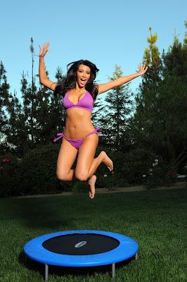 Kim Kardashian - Sexy Bikini Pics