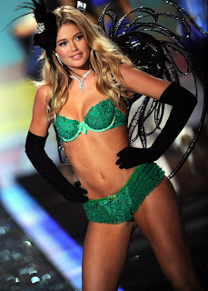 Doutzen Kroes models lingerie at the Victorias Secret Fashion Show