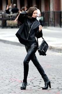 Miranda Kerr in sexy leather pants