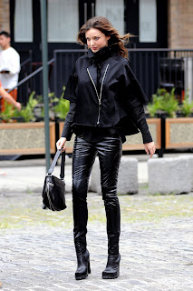 Miranda Kerr in sexy leather pants