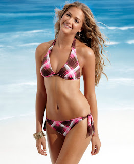 Esti Ginzberg is really cute and sexy in a bikini