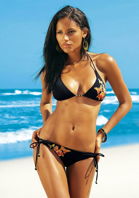 Emanuela DePaula looks awesome in a bikini