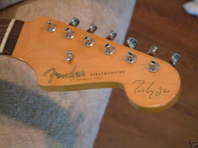 Fender Mark Knopfler Artist Signature Stratocaster ~ Stratocaster Guitar  Culture | StratoblogsterStratoblogster