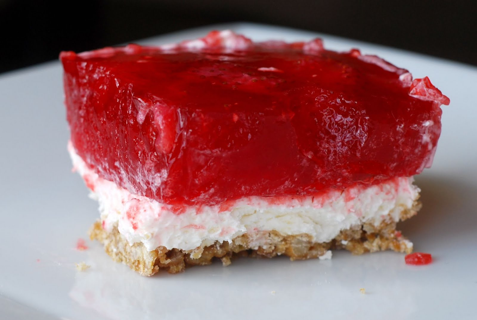 See Jane in the kitchen: Strawberry Pretzel Salad