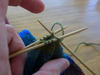 Knit Slip Stitch Left Handed : Fionas Knitting: Three needle grafting - how to do it - (or, Kitchener s...