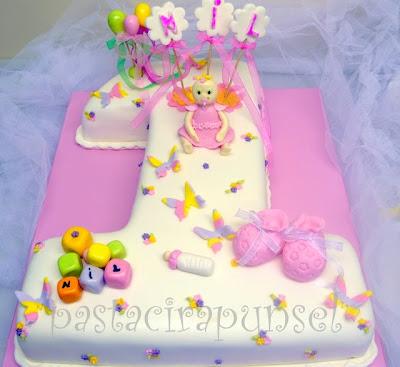 Güzeller güzeli güler yüzlü nil bebeğin 1 yaş pastası