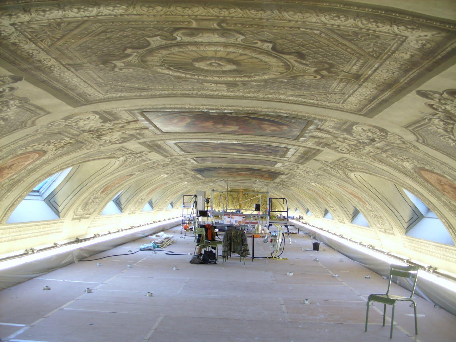 Pauline restaure peintures murales - Retouche peinture plafond ...