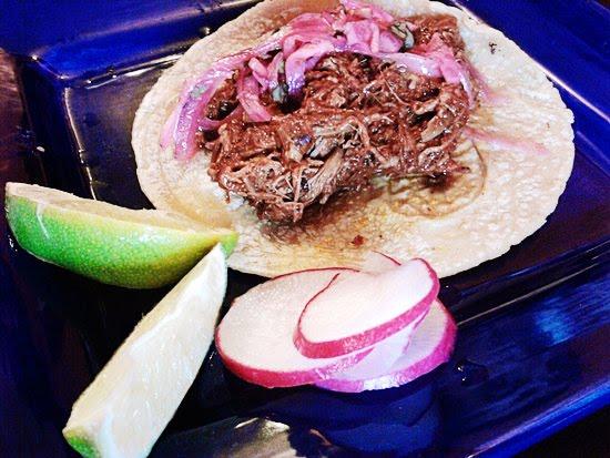 Cochinita pibil taco