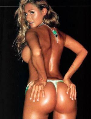 foto de la argentina belén francese, cola hermosa en tanga