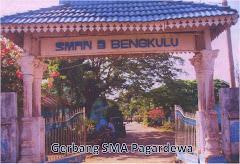 Gerbang SMA Negeri Pagardewa
