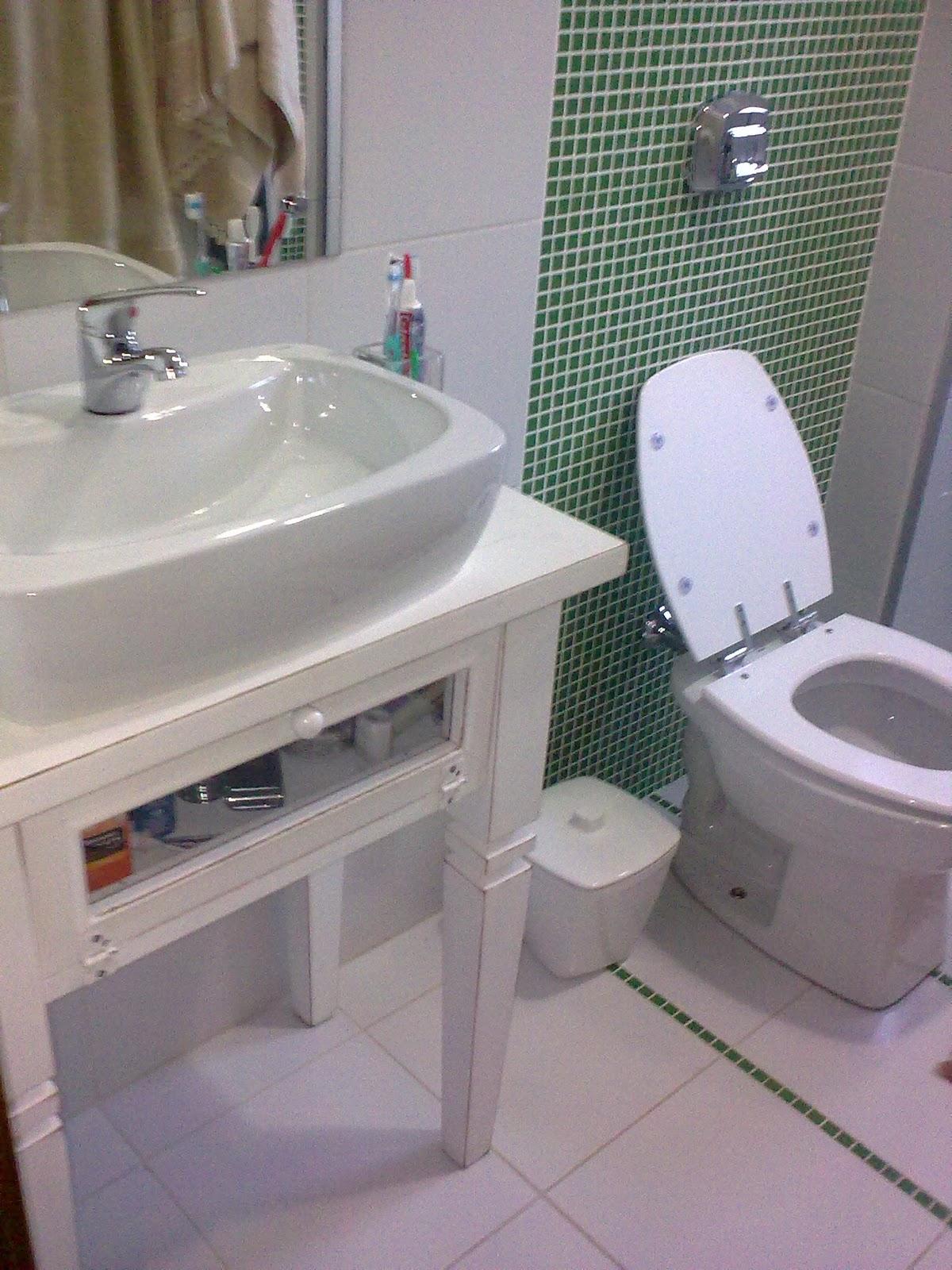 : dica feito por arquiteto: aparadores que viram balcões de banheiro #604C3C 1200x1600 Balança De Banheiro Barata