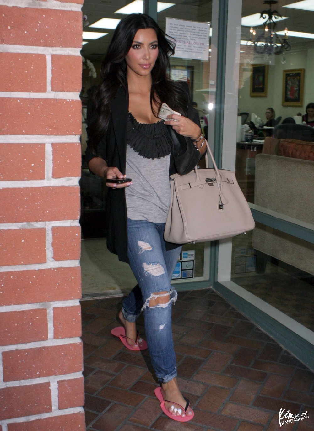 Princess Sassy\'s Blog: June 3, 2010: Kim pictured at the Montage ...