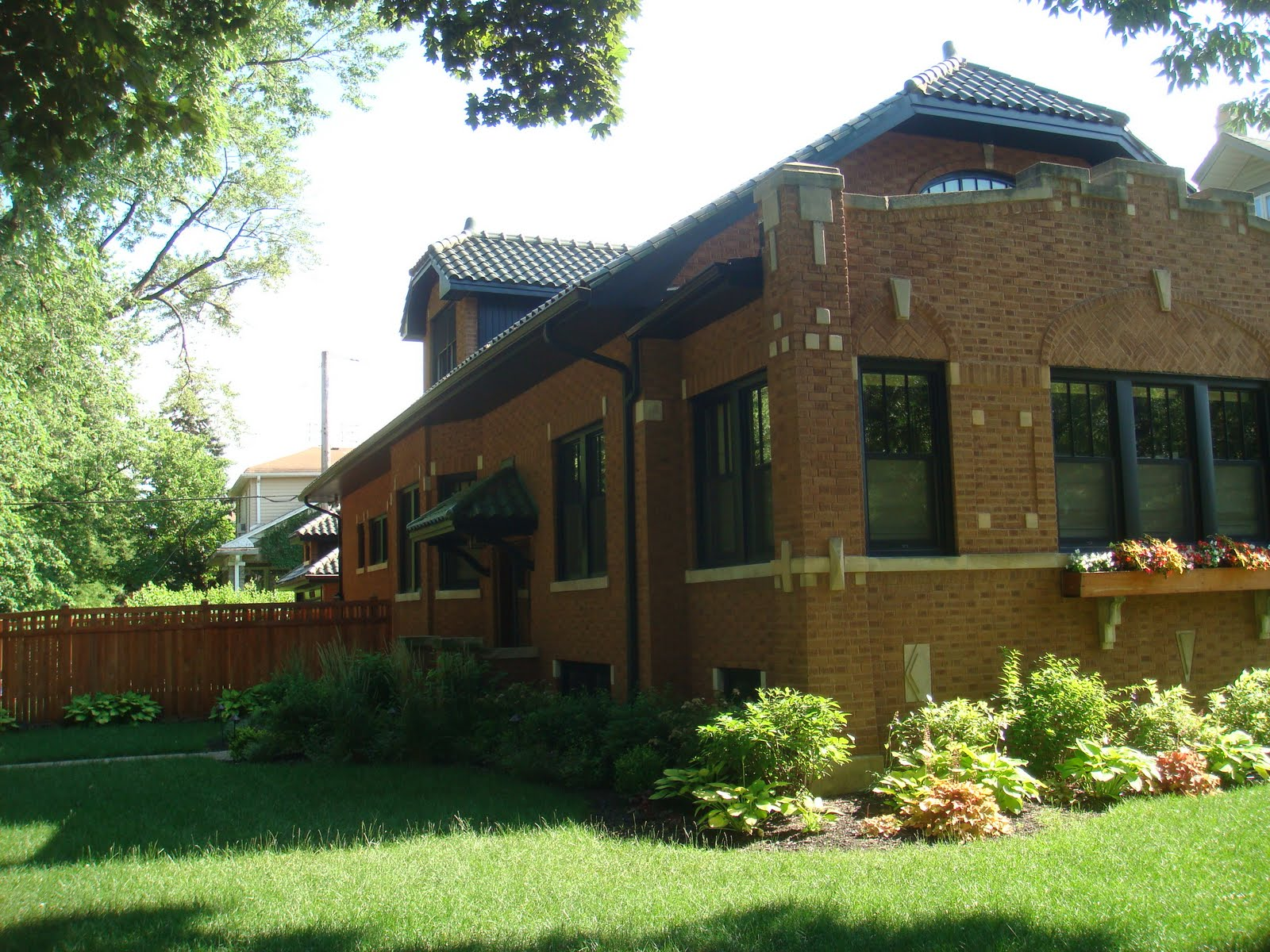 House Of The Week Flawless Ravenswood Manor Chicago Bungalow