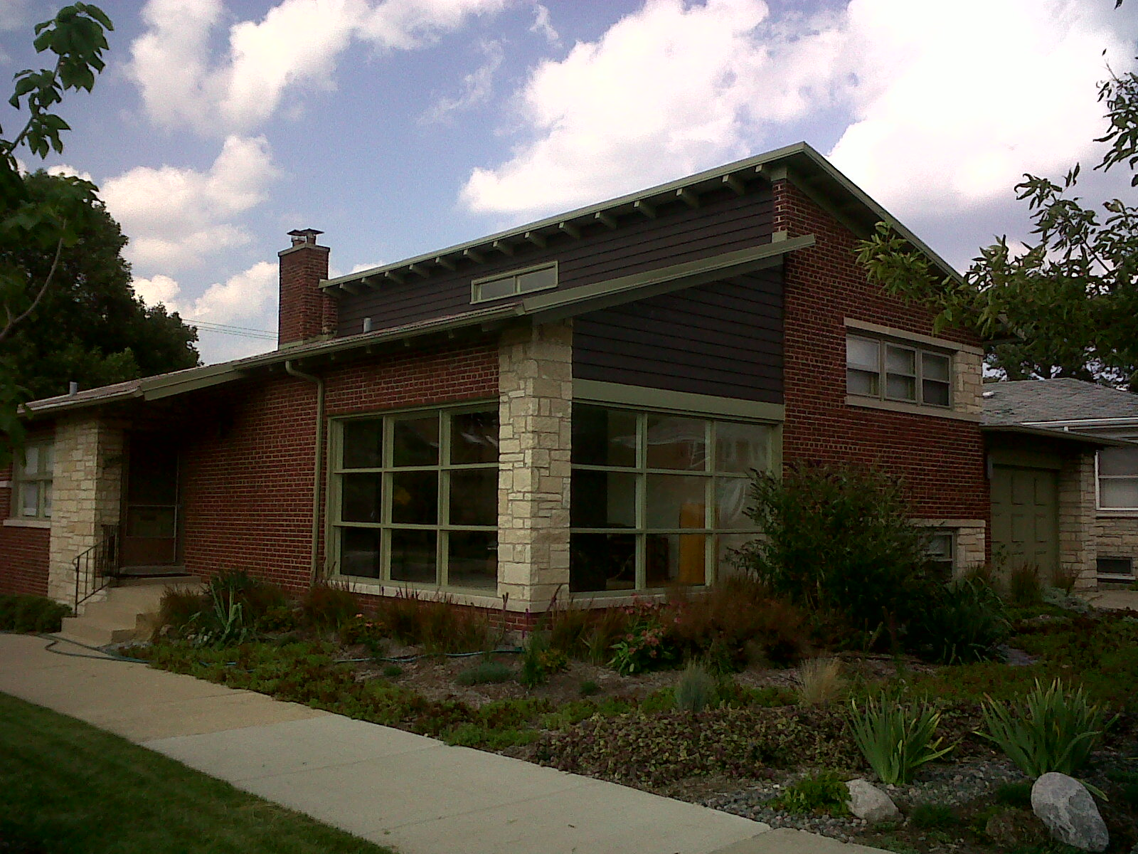 The chicago real estate local three mid century modern for Century home builders