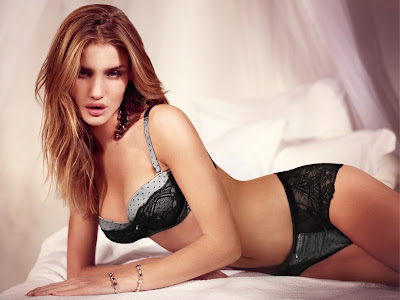 Rosie Huntington-Whiteley Wallpaper