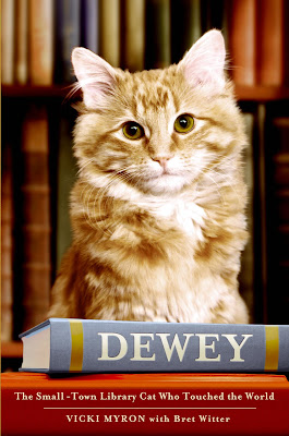 Book Review: Dewey: The Small-Town Library Cat Who Touched the World, by Vicki Myron with Bret Witter