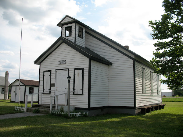 Pioneer Village Rosebud School and Parr Post Office