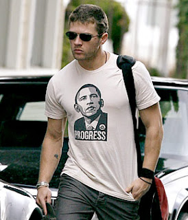 Ryan Phillippe shows support for Barack Obama with a fashionable tee shirt