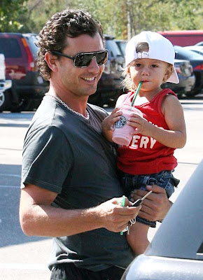 Gavin Rossdale lets toddler son Kingston drink Starbucks blend