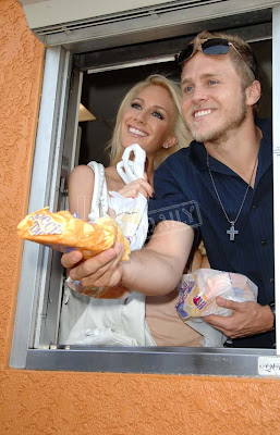 Heidi Montag and Spencer Pratt man the checkout window at Taco Bell