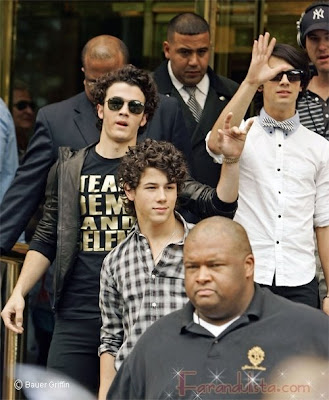Kevin Jonas steps out with a Team Demi and Selena shirt - Photo courtesy of Bauer Griffin