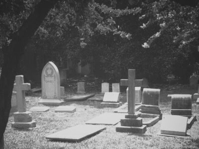 Peti Mati Berpindah Tempat Dari Kuburnya