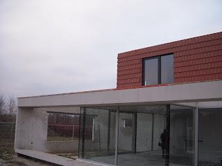 Een plek onder de zon alle pannen zitten op het dak - Kantoor onder het dak ...