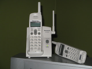 Refurbished telephone from Home Hardware