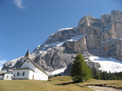Heiligkreuz Hospitz (2045 m) unter dem Heiligkreuzkofel