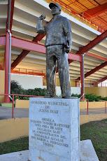Monumento a Radamés Torres Martínez