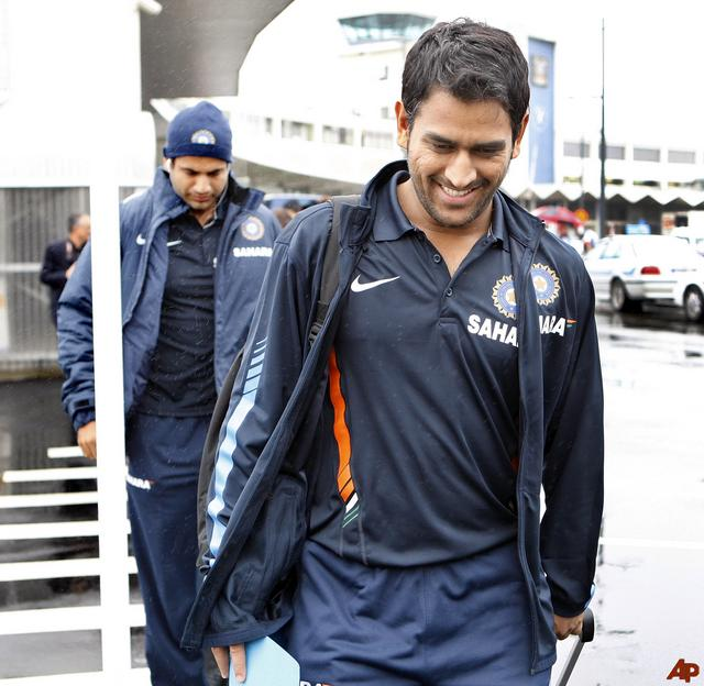 ms dhoni wallpapers. MAHENDRA SINGH DHONI IMAGES