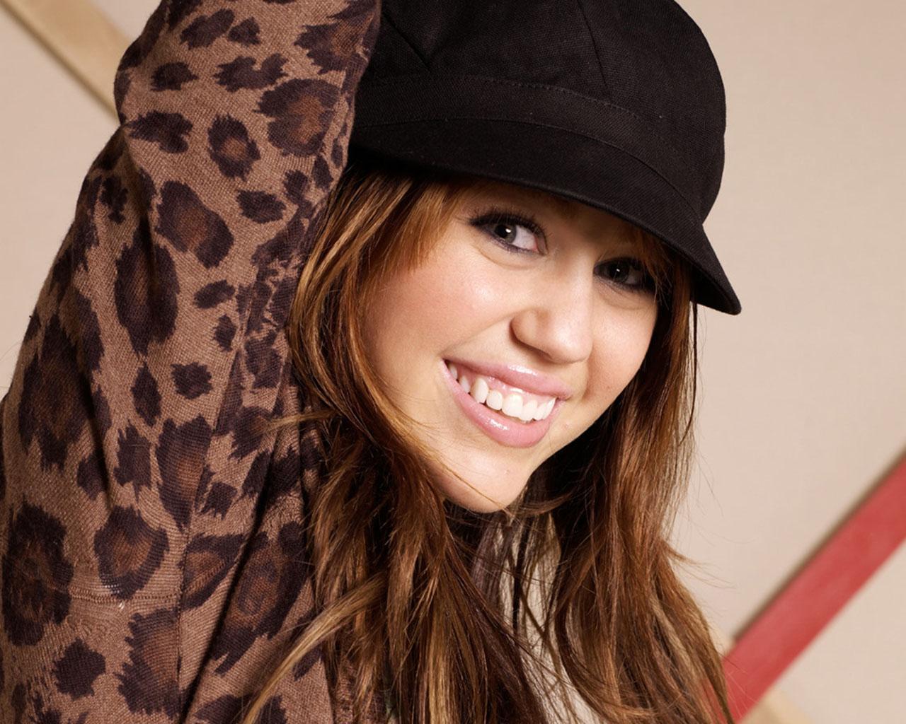 http://1.bp.blogspot.com/_xuMAao_f6oY/Swhpip4Q_eI/AAAAAAAAAAg/dWVE8rAwSZw/s1600/26126_Miley-Cyrus_178_1280x1024-Sk4tz.jpg