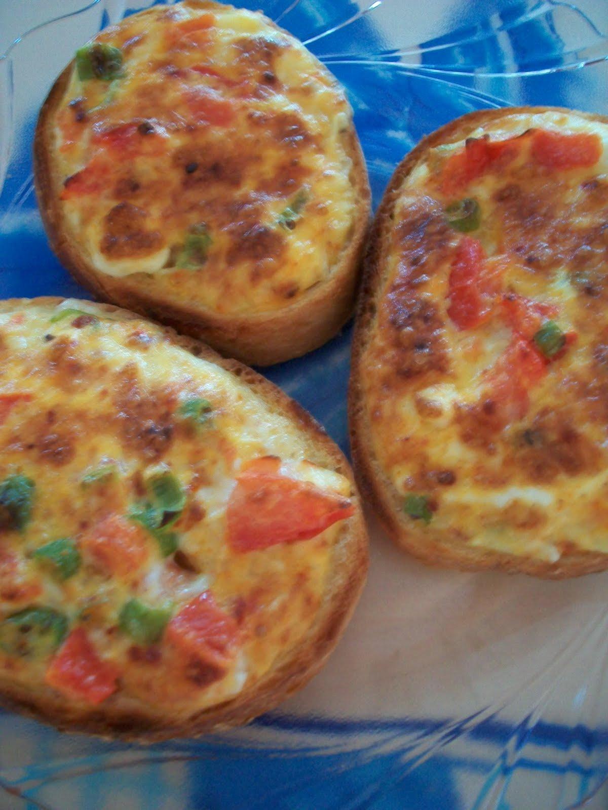 Kaşarlı Yumurtalı Ekmek Tarifi – Kahvaltılık Tarifler